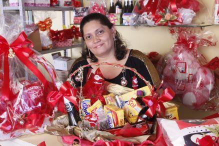 Adriana Rodrigues cestas de cafe da manha e flores frete gratis